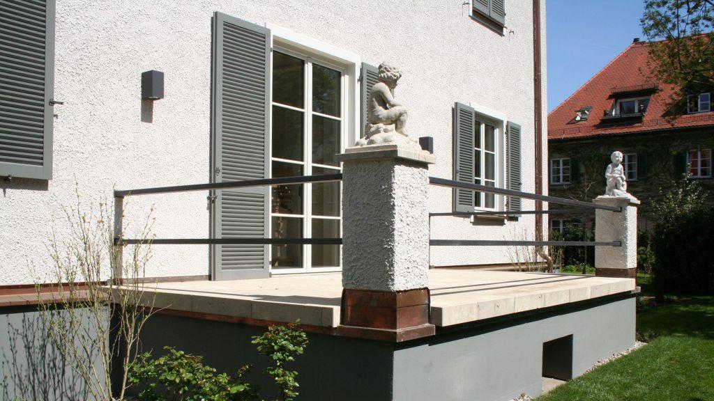 Terrasse, Metallgeländer